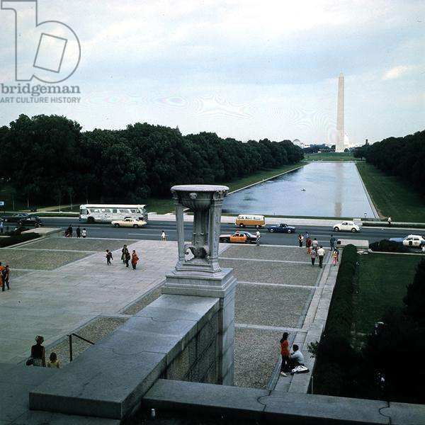 View of the Washington Monument, from the Lincoln Memorial (photo)