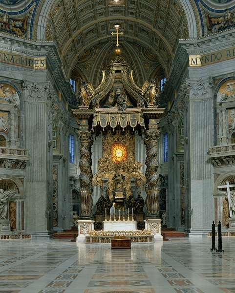 The Baldacchino, the high altar and the chair of St. Peter (photo)