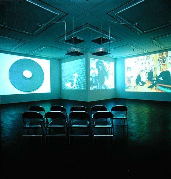 Gallery showing a video installation by Rosemarie Trockel (b.1952) (photo)