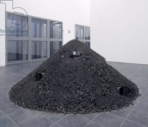 Heap of Ashes VI, 1968-71 (four square iron tubes, volcanic ash) (see also 175457, 182876)