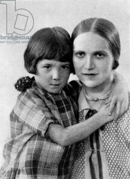 Ethel Mannin with her