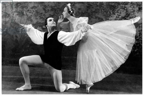 Galina Ulanova and  Nikolai Fadeyechev in Les Sylphides