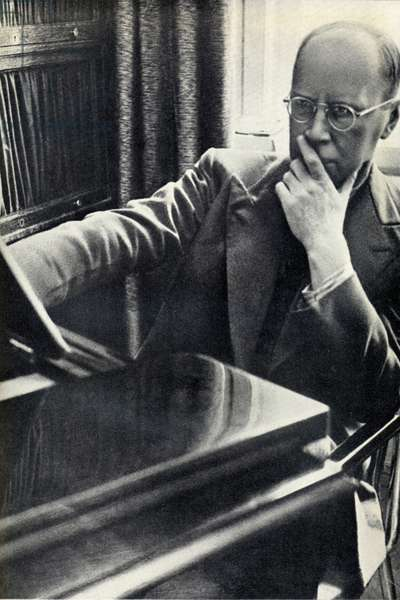PROKOFIEV SERGEI - seated