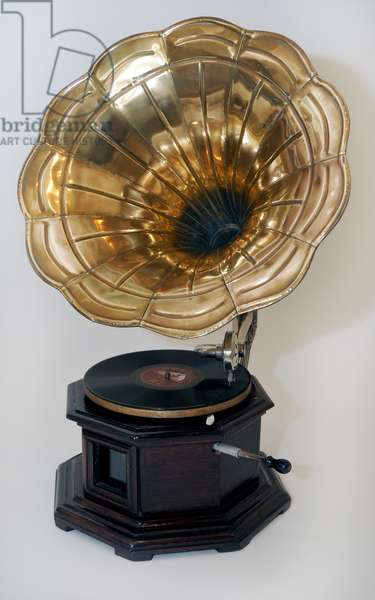 Early gramophone with large