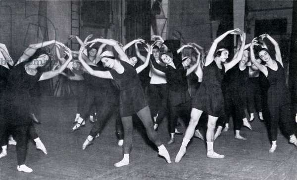 Diaghilev Ballet members rehearsing