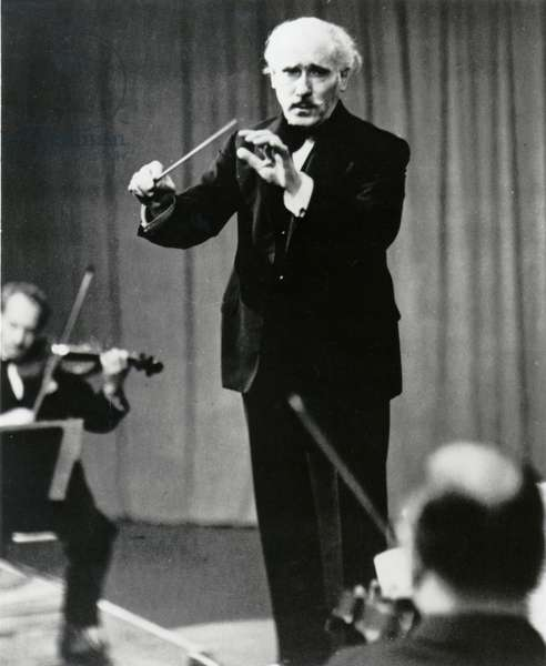 Arturo Toscanini conducting the