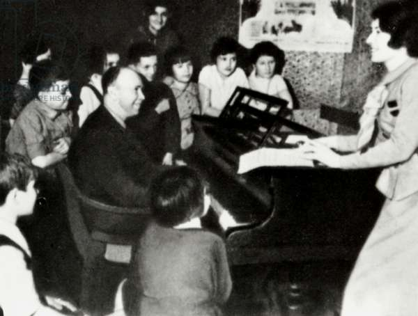 Prokofiev playing Peter &