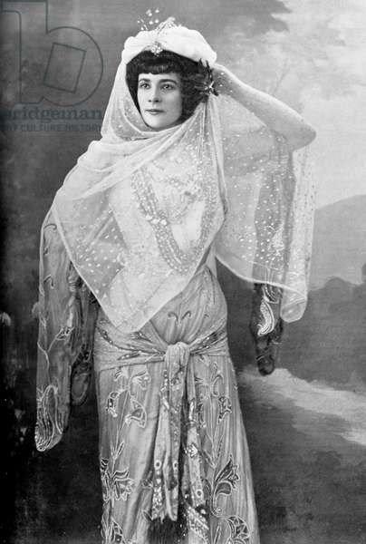 Marguerite Carrère- Xanrof in role of Fatime in 'Oberon' (b/w photo)