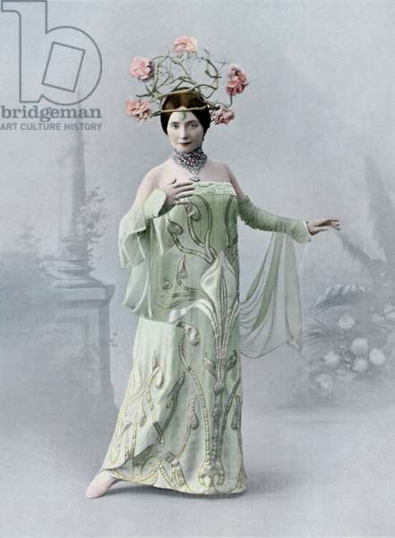 Edea Santori as La Muse in Louise - ballet