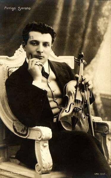 Arrigo Serato holding violin