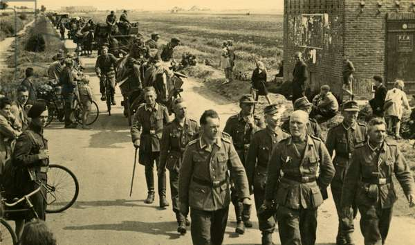 German soldiers leaving the Netherlands