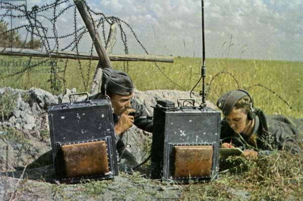 German telegraphists in combat during WW2