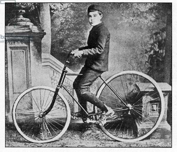First bicycle with  inflatable tyres