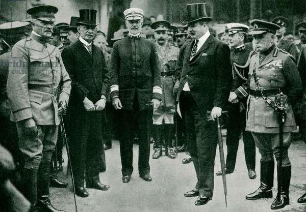 WW1: General Pershing arriving in London
