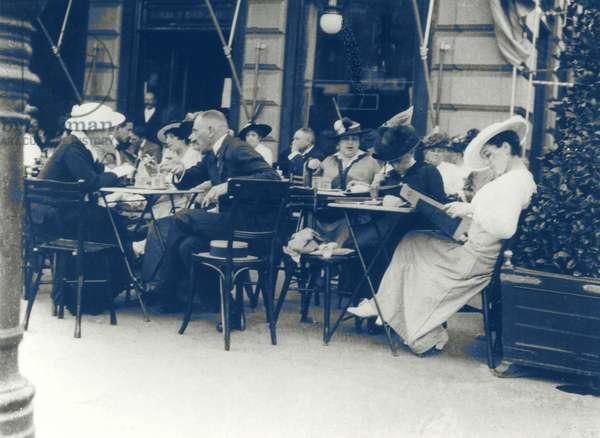 VIENNA Café 1900 people