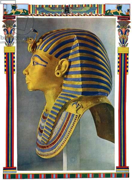 Gold portrait mask of Tutankhamun