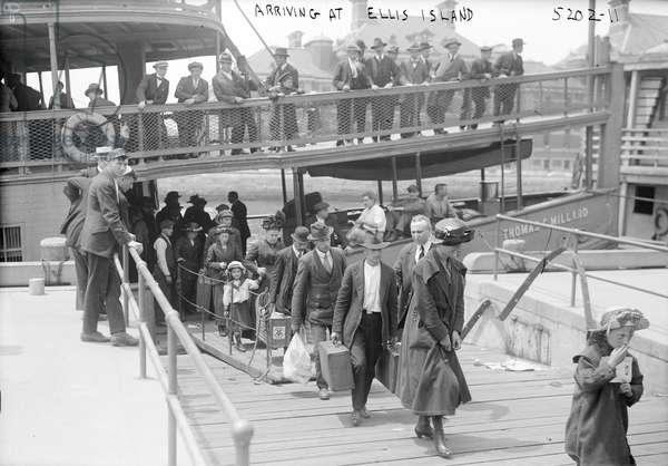 Arriving at Ellis Island, c.1920 (b/w photo)