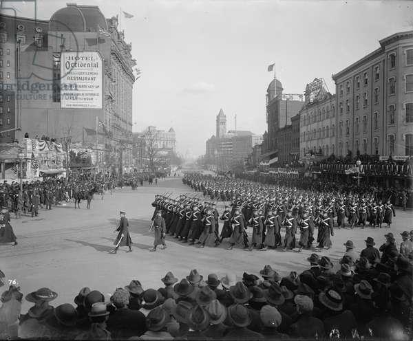 Inauguration Parade for U.S. President Woodrow Wilson, Pennsylvania Avenue, Washington DC, USA, March 5, 1917 (b/w photo)