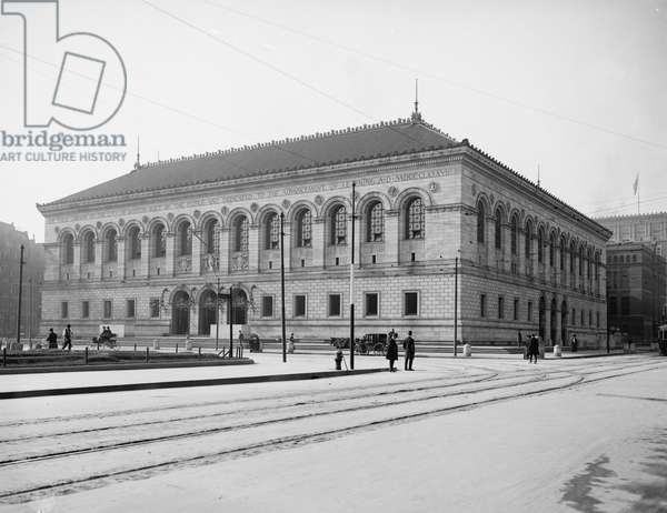 Public Library, Boston, Mass., 1900-05 (b/w photo)