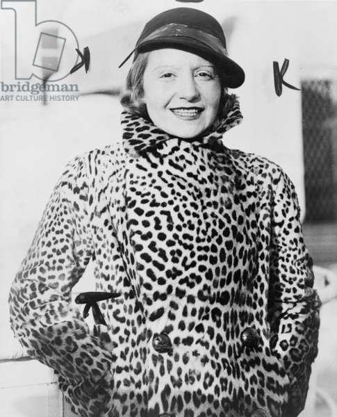 Elisabeth Bergner, 1935 (b/w photo)