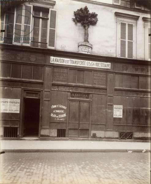 """""""A L'Orme Saint-Gervais"""", 20 rue du Temple, 4ème arrondissement, Paris, 1911 (b/w photo)"""