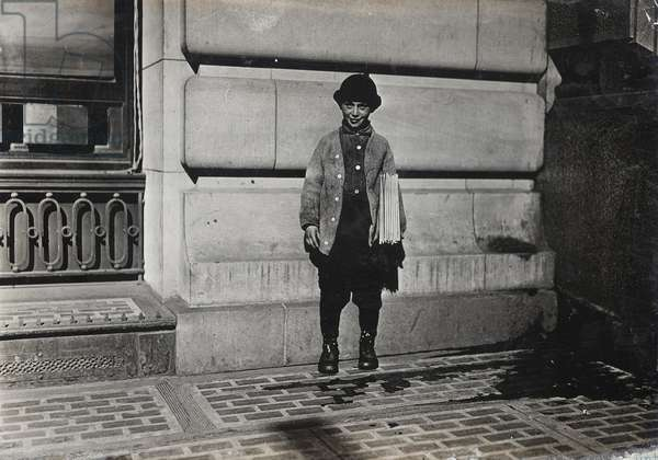 Newsboy, 1909 (b/w photo)