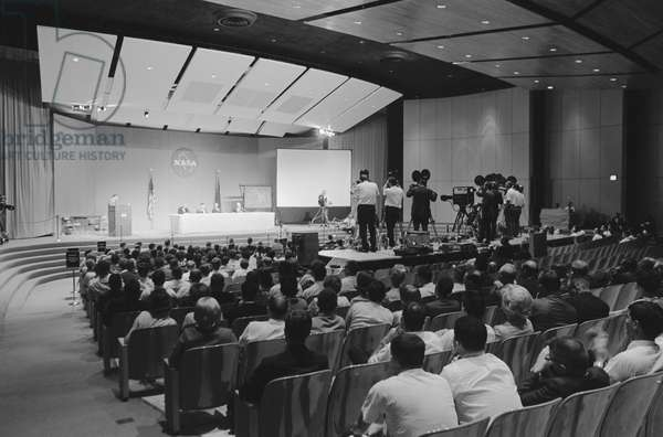 Scene in Building 1 auditorium during the Gemini-10 news conference, 1st August 1966 (b/w photo)