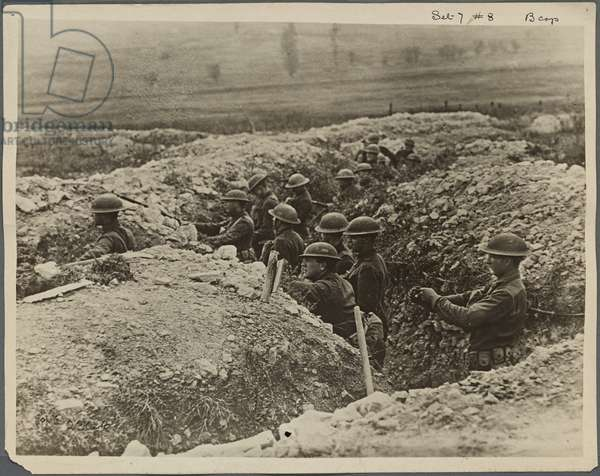 American troops in a trench, France 1918 (b/w photo)