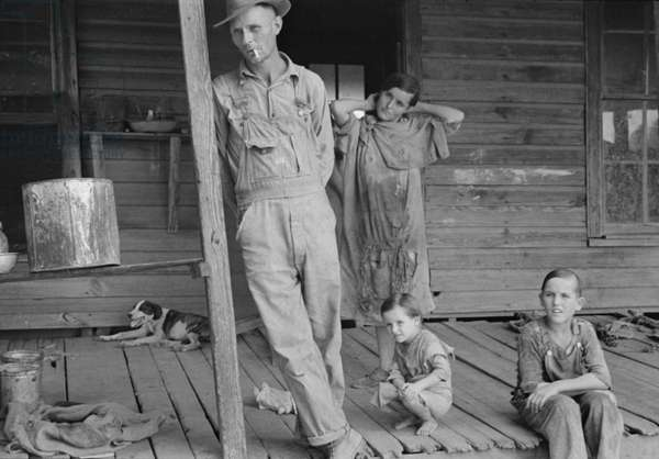 Floyd Burroughs and Tengle children in Hale County, Alabama, 1936 (b/w photo)