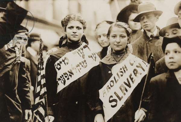 Protest against child labor in a New York parade, 1909 (b/w photo)
