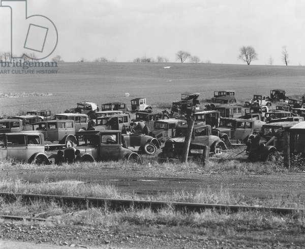 An auto dump near Easton, Pennsylvania, 1935 (b/w photo)