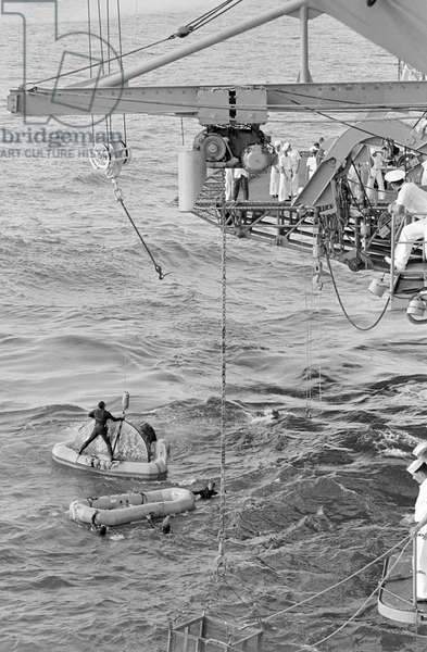 Gemini-10 splashed down 460 nautical miles east of Cape Kennedy at 4:07 p.m. (EST), July 21, 1966 (photo)