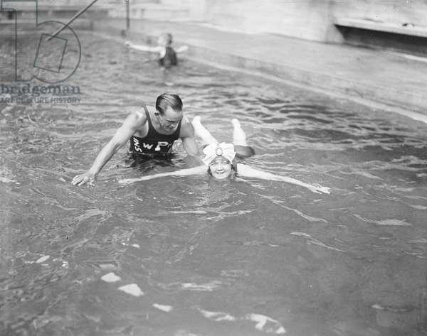 Learning to Swim, Wardman Park Hotel, Washington DC, USA, c.1922 (b/w photo)