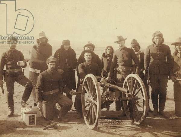 """Coporal Paul Weinert and gunners of Battery """"E"""" 1st Artillery"""