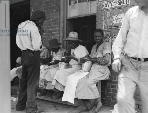 Lunchtime for Georgia peach pickers, 1936 (b/w photo)