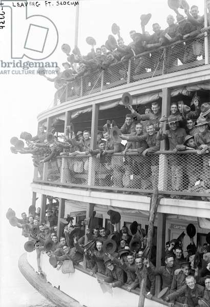 American Soldiers leaving Fort Slocum, New York, 1917 (b/w photo)