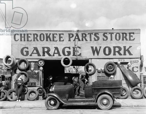 Auto parts shop. Atlanta, Georgia, 1936 (b/w photo)