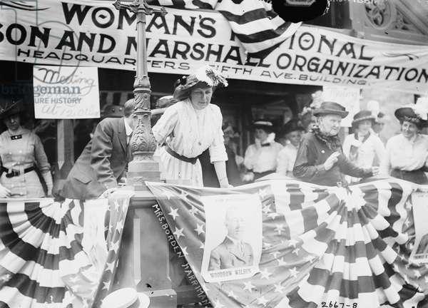 Daisy Harriman addresses a Democratic rally in Union Square, New York City, 1912 (b/w photo)
