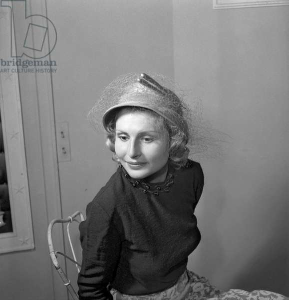 Hats by  Maud et Nano, Paris, July 29, 1949 : here a hat called