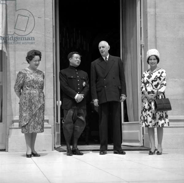 At The Elysee, Paris, June 24, 1964 : French President Charles De Gaulle and Cambodian Prince Norodom Sihanouk With Their Wives Yvonne De Gaulle (L) and Princess Norodom Monineath Sihanouk (Born Paule Monique Izzi) (b/w photo)