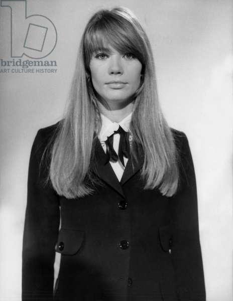 "Francoise Hardy during TV Programme ""Sacha Show"" November 16, 1966 (b/w photo)"