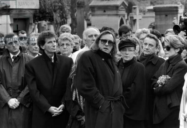 In The First Ground To L. To R.: Francois Leotard, Jack Lang, Michel Piccoli , Gerard Depardieu, Marie Dubois and Catherine Deneuve during Yves Montand'S Funeral in The Cimetery of The Pere Lachaise in Paris, on November 13Th, 1991 (b/w photo)