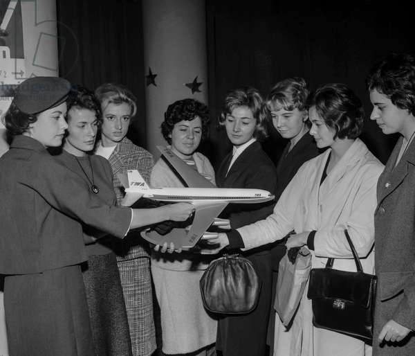 French stewardesses are recruited by TWA, Paris, October 8, 1960 (b/w photo)
