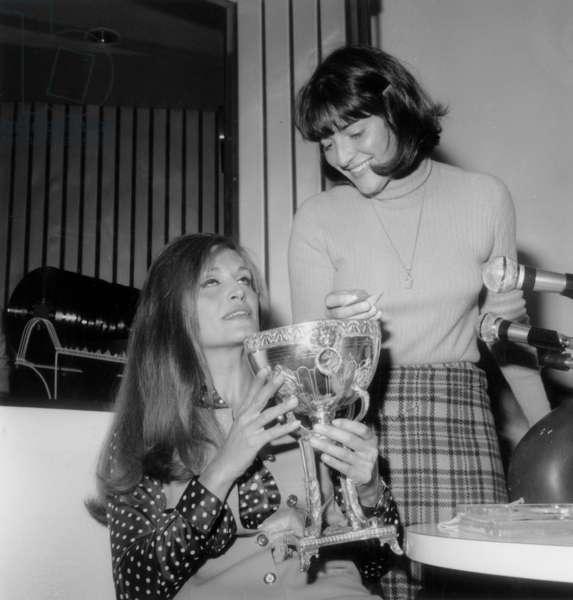"during Radio Program ""Rtl Non Stop"" : Singer Dalida and Presenter Anne-Marie Peysson April 11, 1969 (b/w photo)"