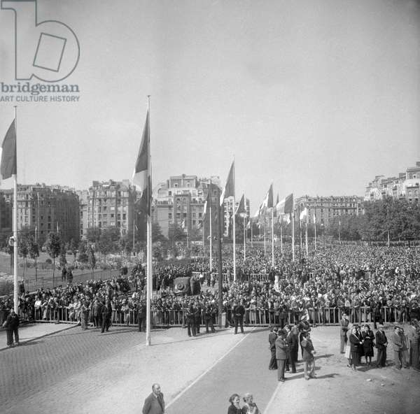 Christening of the avenue of the general Leclerc in Paris on June 18, 1949 (b/w photo)