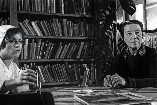 "French Writer Simone De Beauvoir on Set of Film ""Promenade Au Pays De La Vieillesse"" 1978 (b/w photo)"