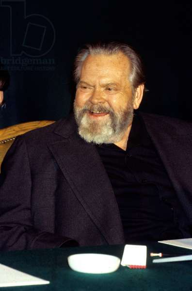 Orson Welles (1915-1985) here in Paris on February 22, 1982 (photo)