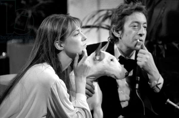 Serge Gainsbourg and Jane Birkin With Their Bull Terrier during TV Programme on March 20, 1976 (b/w photo)