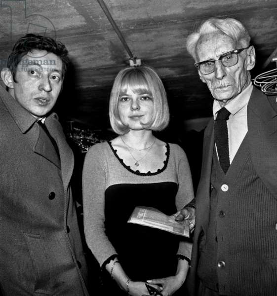 Serge Gainsbourg, France Gall and Henry De Monfreid February 10, 1966 during Song Night in Paris (b/w photo)