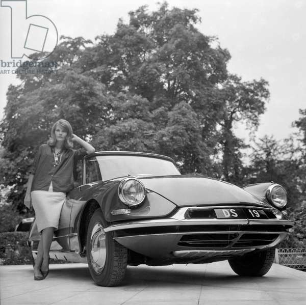 The new Citroen DS19 (DS 19) car is shown at the Pre Catelan, Paris, August 31, 1960 (b/w photo)